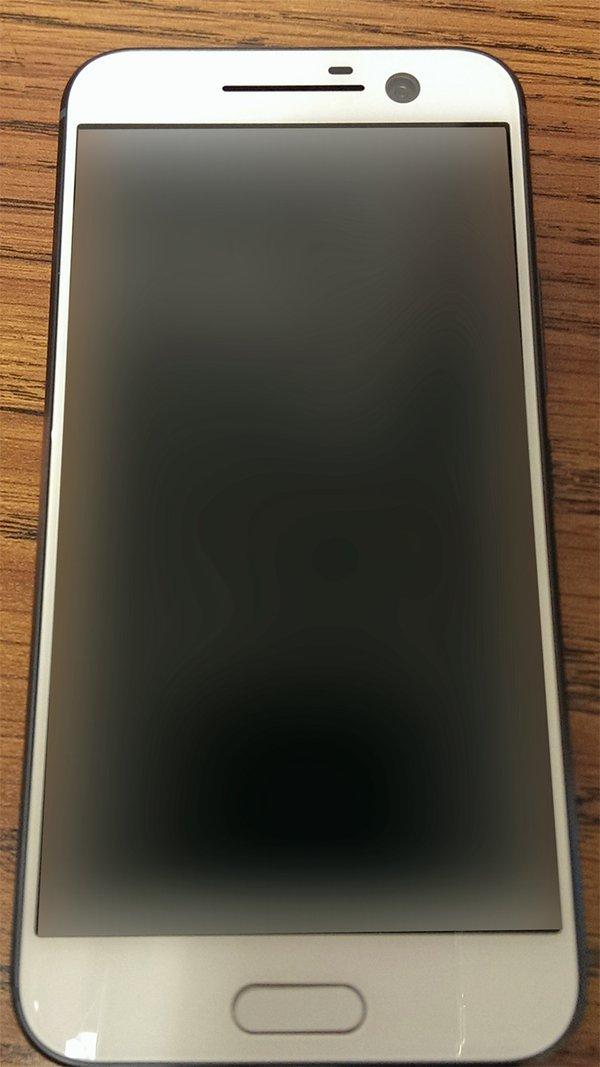 Photo of تسريبات لصور هاتف HTC one m10 الجديد و يظهر باللون الابيض