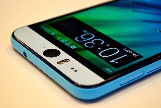 Photo of هاتف HTC Desire Eye سيحصل على أندرويد مارشميلو الشهر المقبل